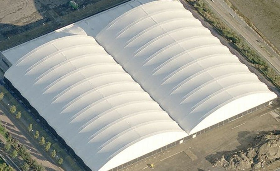Wide span fabric building