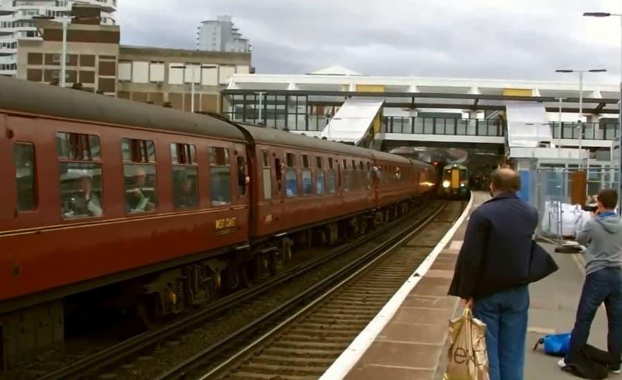 ETFE covered walkways at East Croydon Station