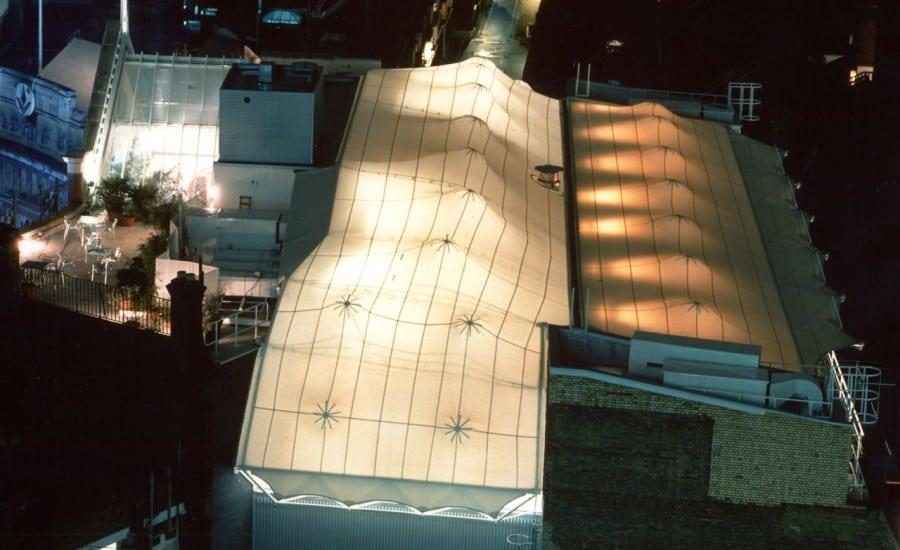 Illuminated fabric roof