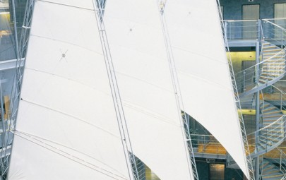 Fabric sail feature in atrium