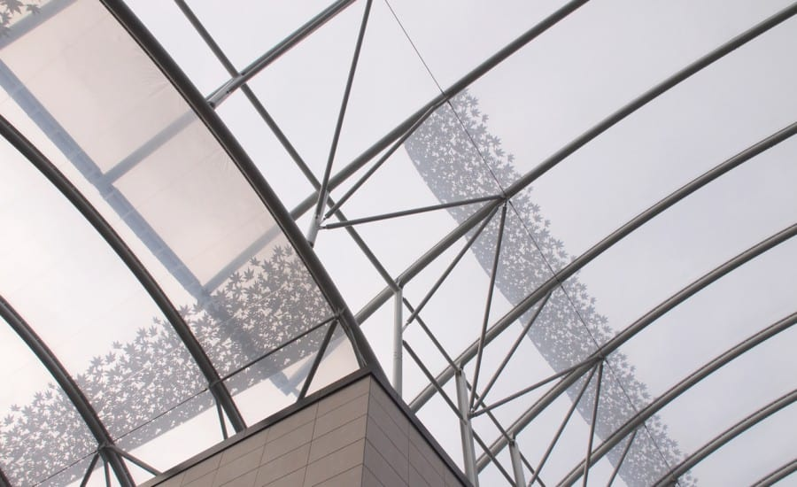 Printed fabric roof covering shopping centre