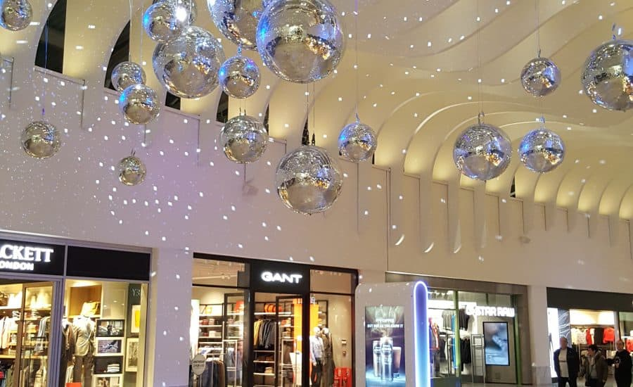 Retail feature ceiling