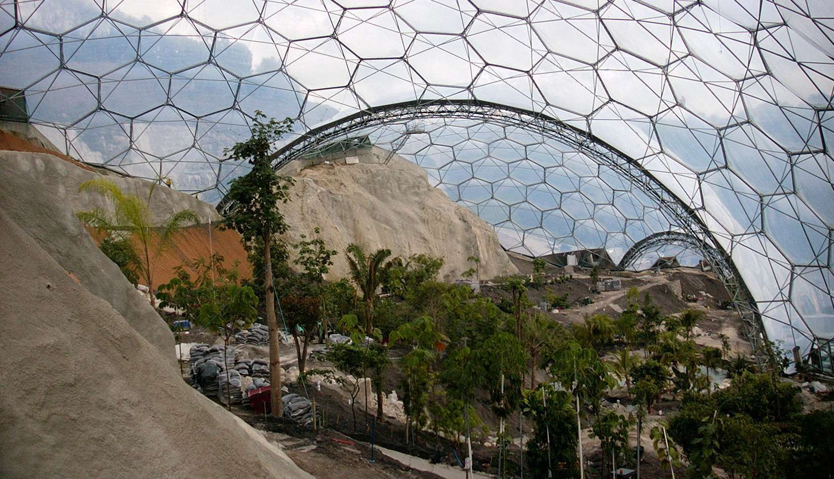 ETFE cushions used at the Eden project