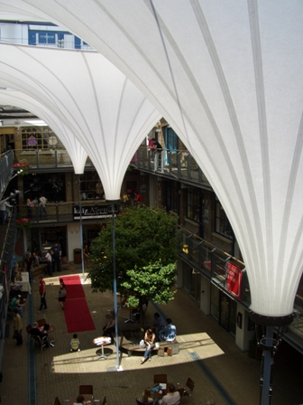 Demountable tensile fabric structure